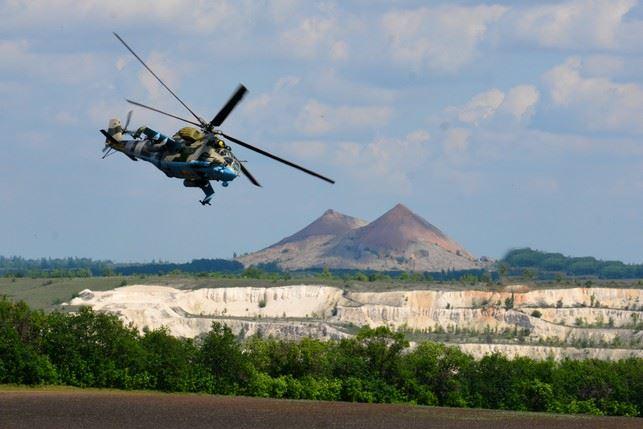 Учения авианаводчиков вертолетов Ми-24 прошли возле линии разграничения на Донбассе