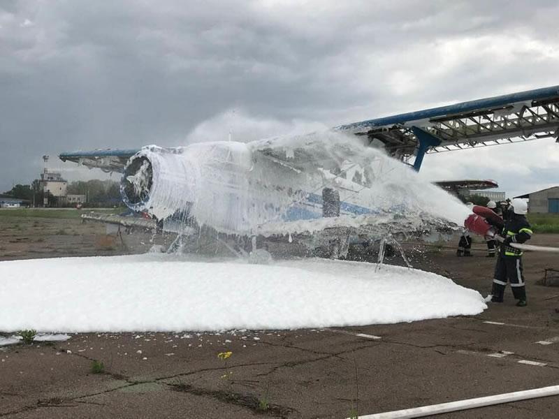 В Николаевском аэропорту провели учения ГСЧС