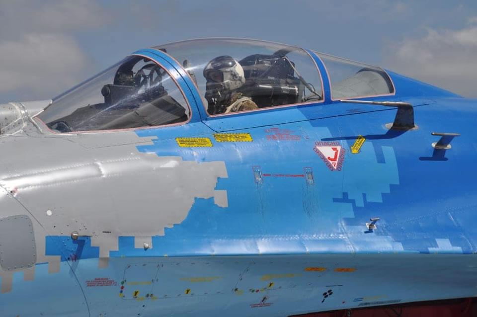 Курсанты выполнили первые самостоятельные на Су-27 в Миргороде