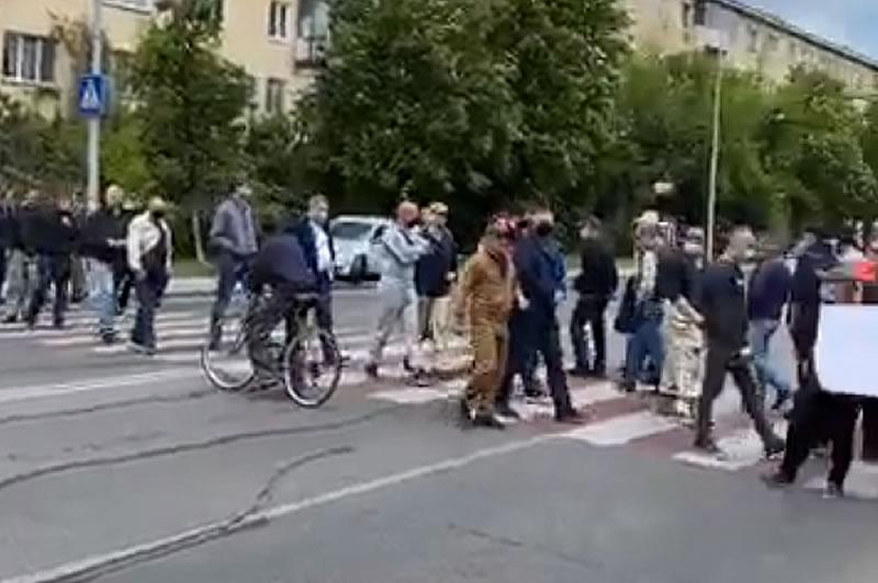 """Владельцы гаражей протестовали против аэропорта """"Одесса"""""""