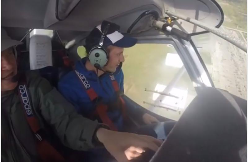 Украинский биатлонист попробовал себя в роли пилота