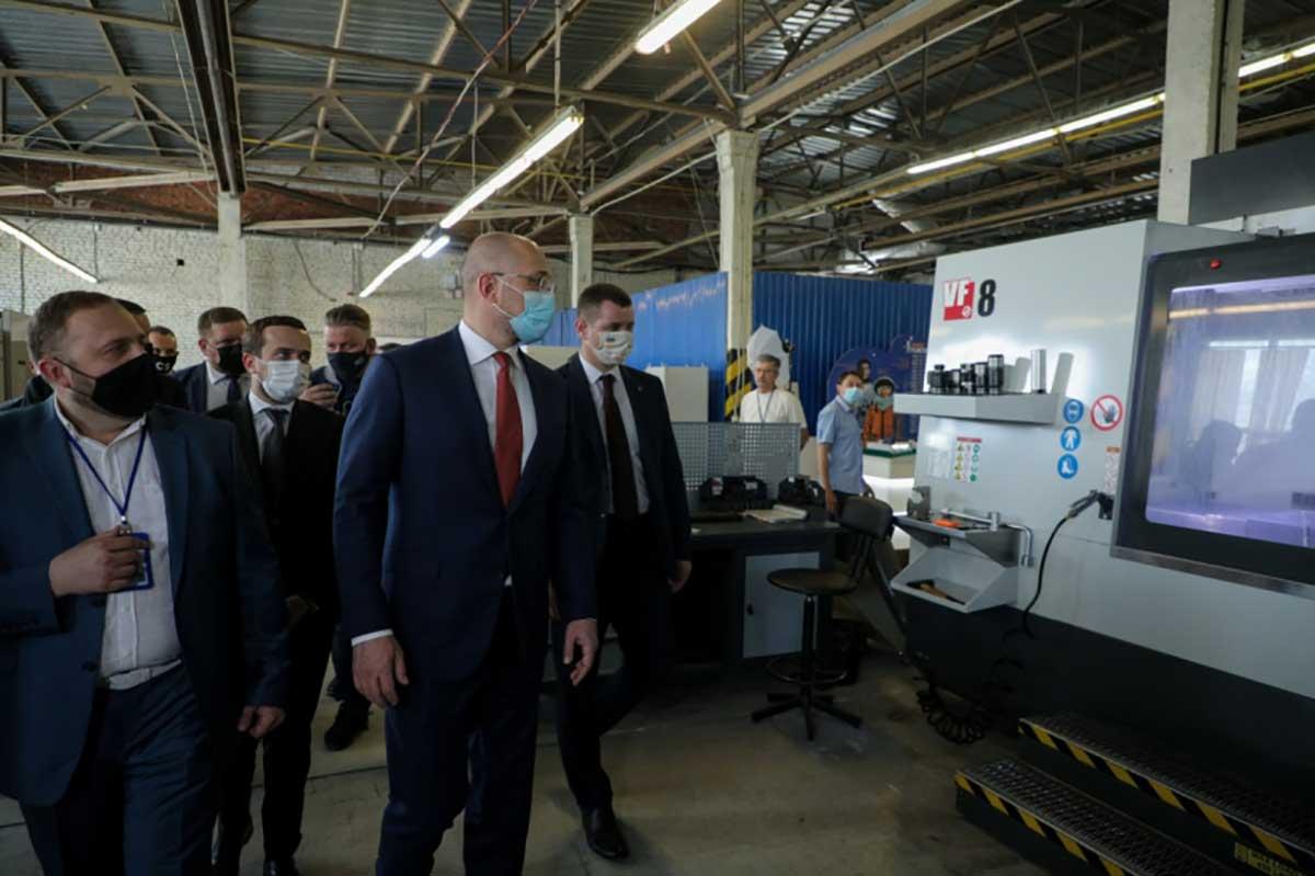 Премьер-министр:Нужно развивать государственно-частное партнерство с успешными украинскими компаниями