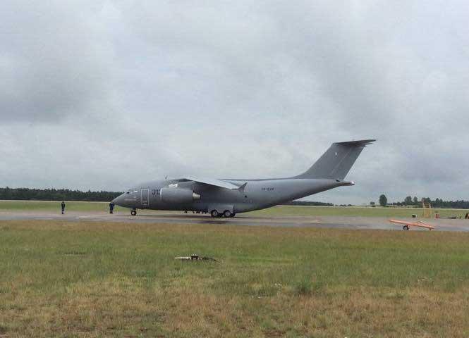 Азербайджан внес первую предоплату по покупке 10 самолетов АН-178