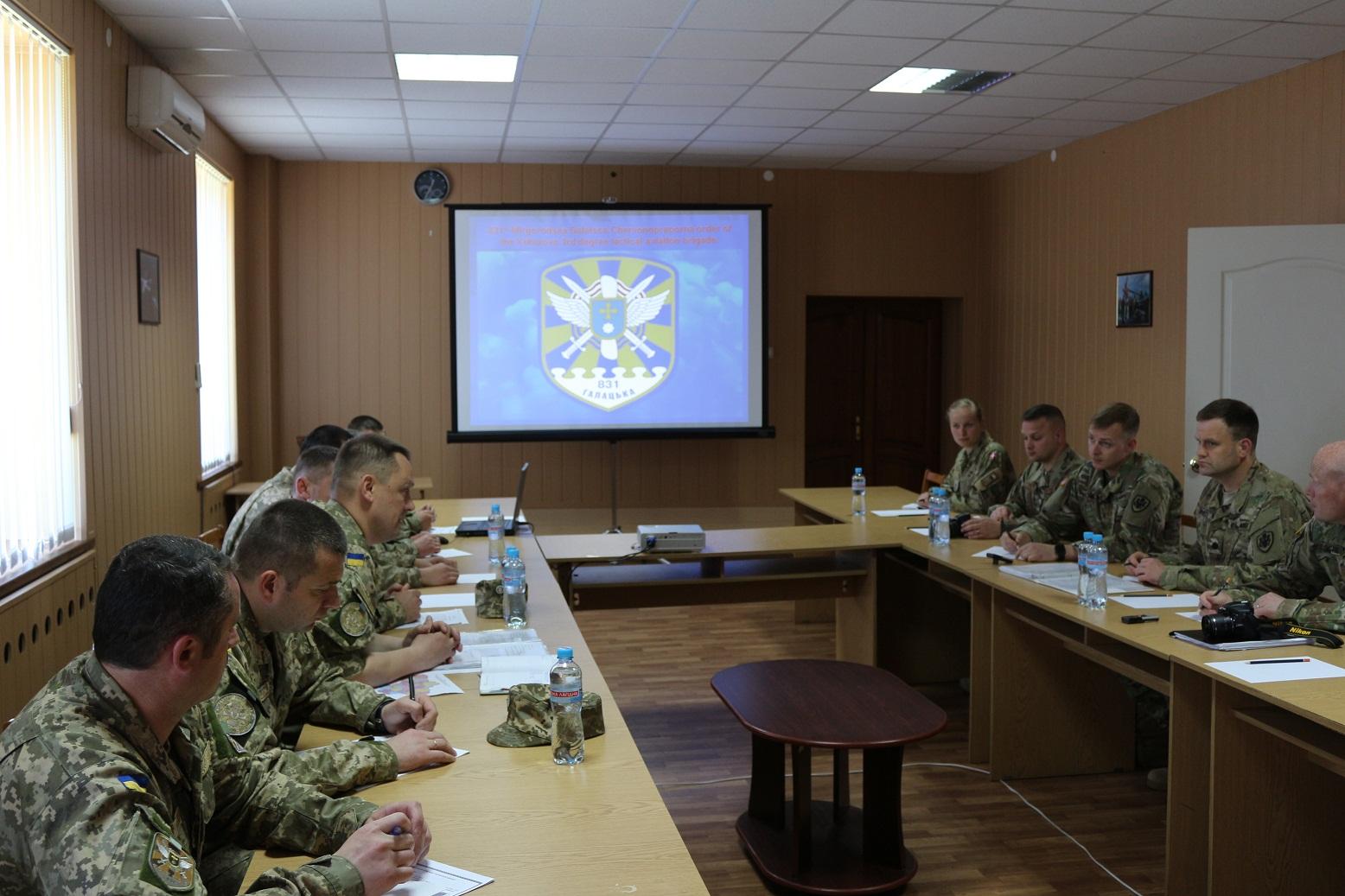 Миргородских авиаторов посетила многонациональная инспекционная группа