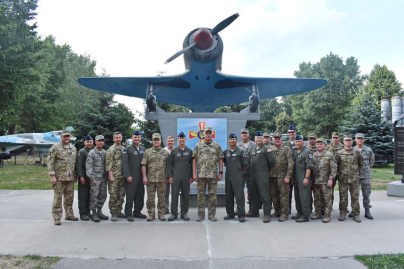 В командовании Воздушных Сил украинские и американские авиаторы обсудили вопросы двустороннего военного сотрудничества