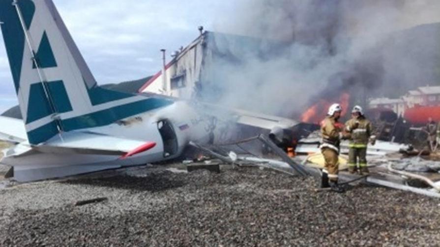 Пассажирский самолет Ан-24 потерпел крушение при посадке в Бурятии