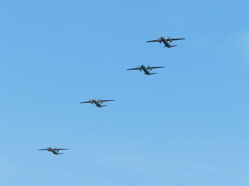 Военные транспортники летали в составе отряда