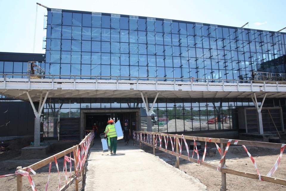Аэропорт Запорожья ведет переговоры с 15 авиакомпаниями