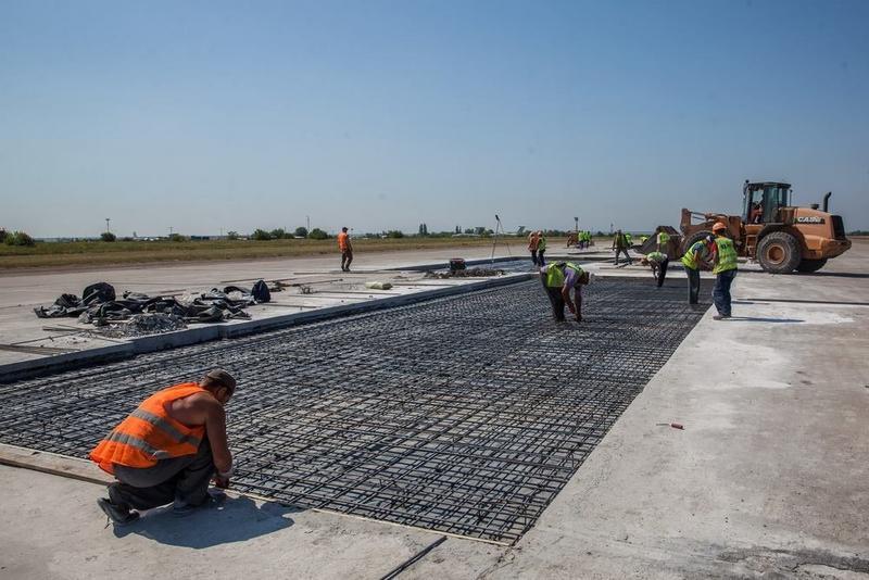 Взлетную полосу запорожского аэропорта отремонтируют за 400 миллионов гривен