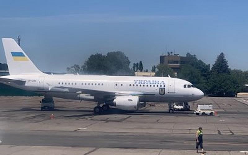 Из-за прилета Зеленского закрывали запорожский аэропорт