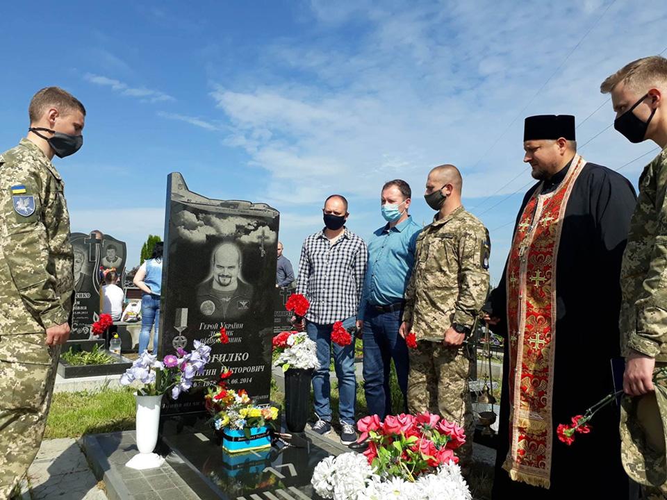 Своих героев Украина будет помнить вечно
