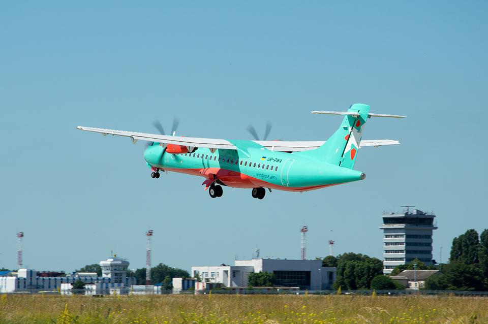 Первый рейс ATR72-600 авиакомпании Windrose