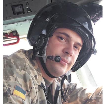 Пуля застряла в шлеме, который вертолетчику подарил отец-летчик