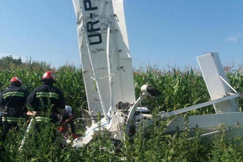 На Буковине упал легкий самолет