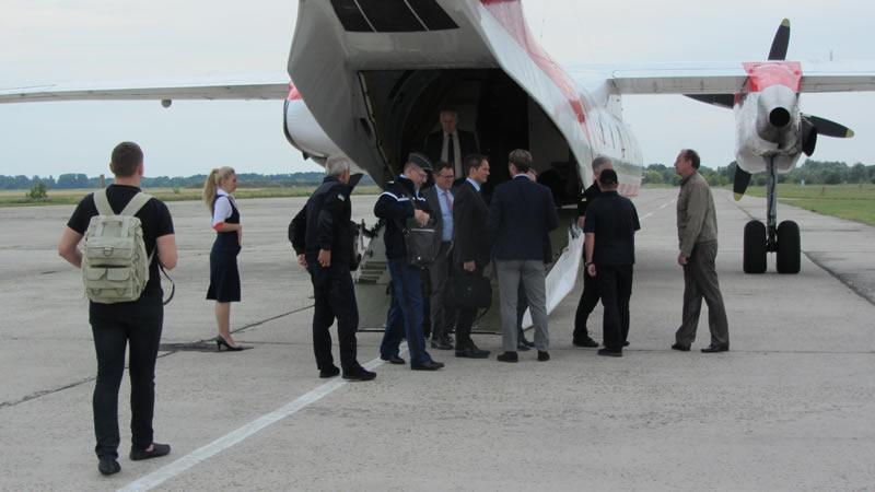 Авиационный отряд ГСЧС с рабочим визитом посетили представители Airbus Helicopters