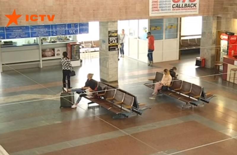 """Почему аэропорт Ивано-Франковска """"застрял"""" в СССР"""