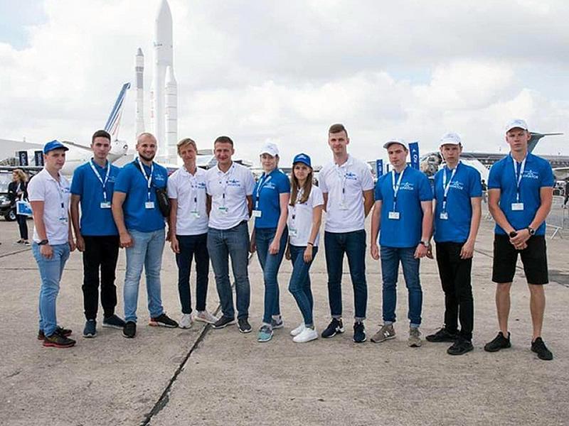 """Победители конкурса """"Авиатор"""" вернулись с Ле Бурже"""