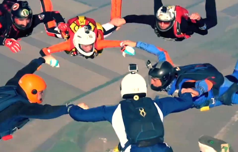 В Майском отметили День парашютиста
