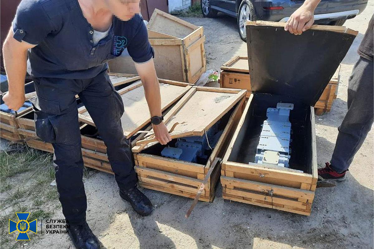 СБУ предотвратила нелегальный вывоз комплектующих к ЗРК