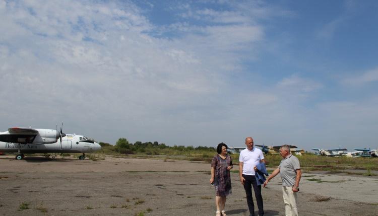 Аэропорт Хмельницкий делает первые шаги к восстановлению
