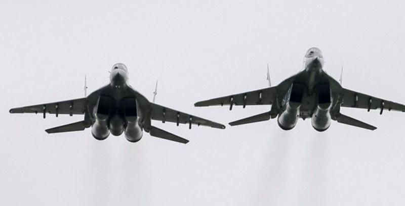 В небо над Одессой подняли истребители