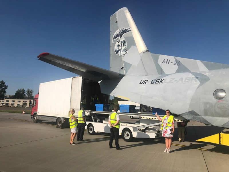 Украинская авиакомпания будет доставлять грузы в Ригу