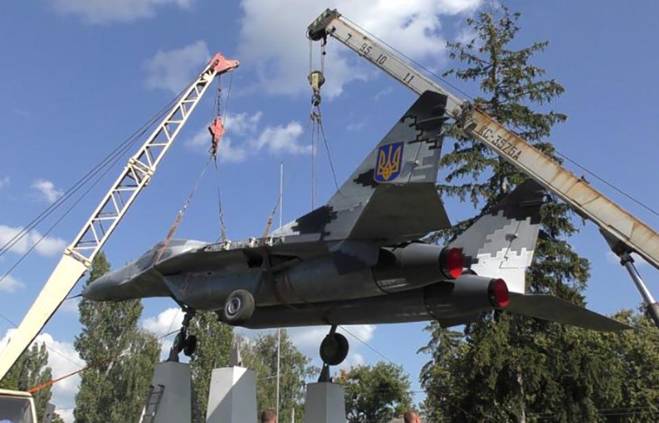 Миг-29 установили в музее Лебедина