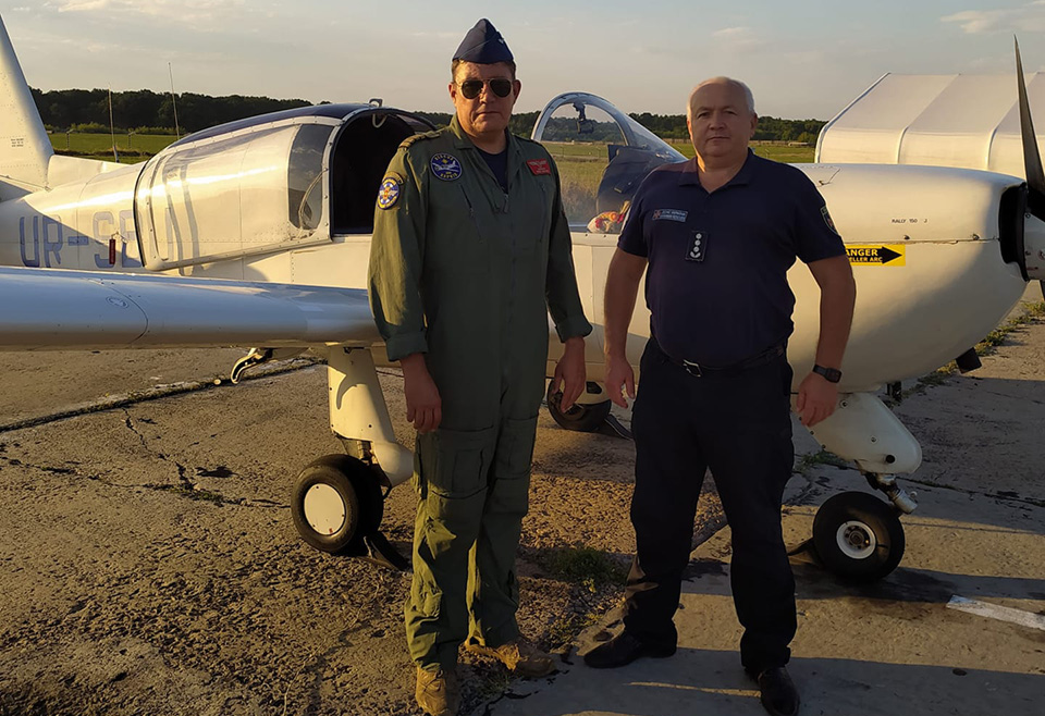 Самолет Гражданского воздушного патруля спешит на помощь
