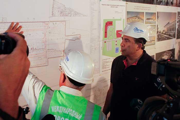 Михеил Саакашвили и гендиректор Wizz Air осмотрели строительство терминала Международного аэропорта Одесса