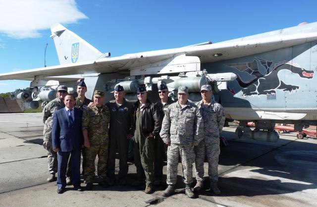 Американским военным провели экскурсию по части бригады тактической авиации имени Петра Франко: