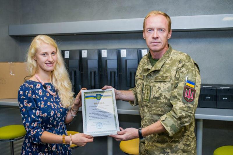 «Амадеус Украина» передала компьютерную технику на нужды армии