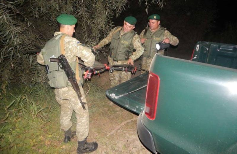 На Буковине недалеко от границы на дереве обнаружен квадрокоптер