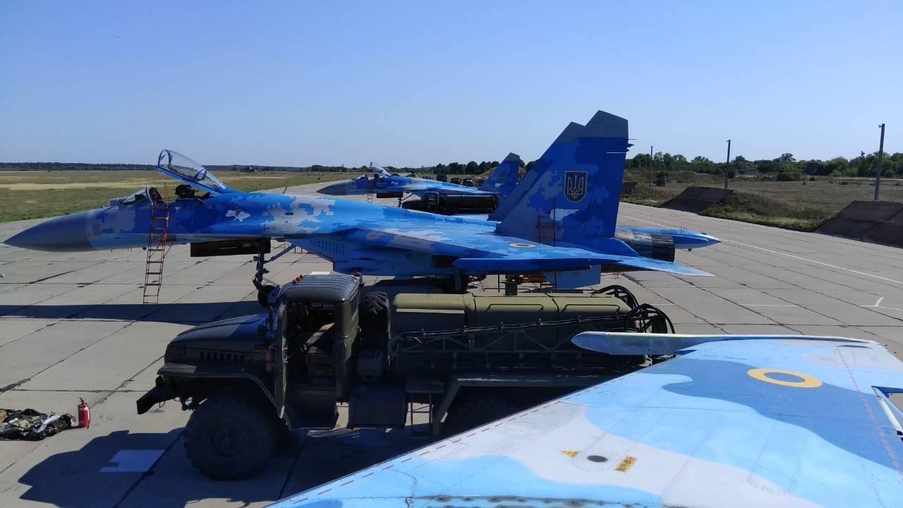 Молодые летчики из Миргорода впервые осуществили пуски управляемых ракет