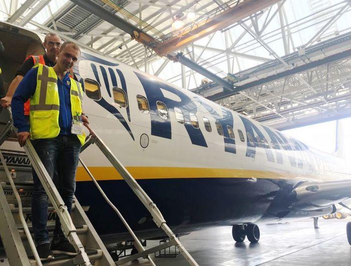 Украинские специалисты прошли обучение в Дублине по обслуживанию Ryanair