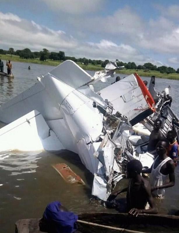 Украинский самолет разбился в Южном Судане