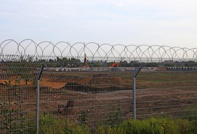 Для взлетной полосы аэропорта Одесса начали делать ливневку