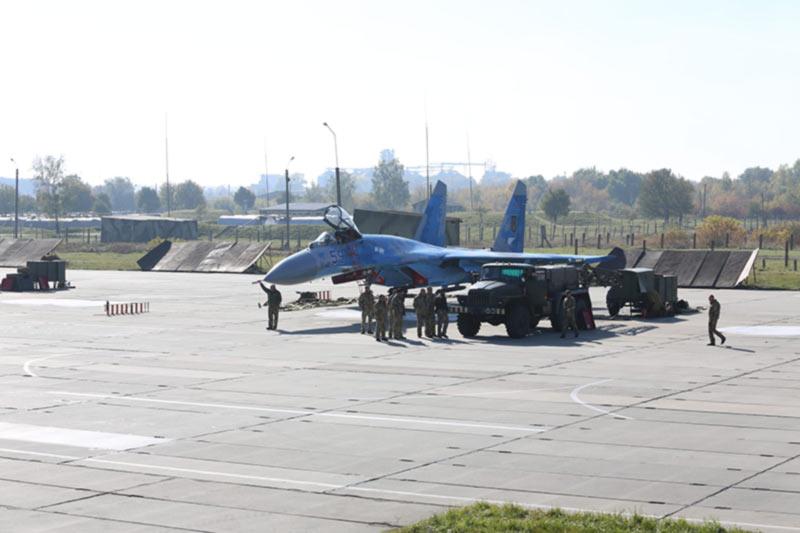 Военные аэродромы адаптируют к стандартам НАТО