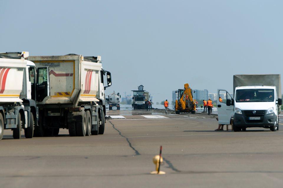 В аэропорту Киев уже начали ремонт ВПП