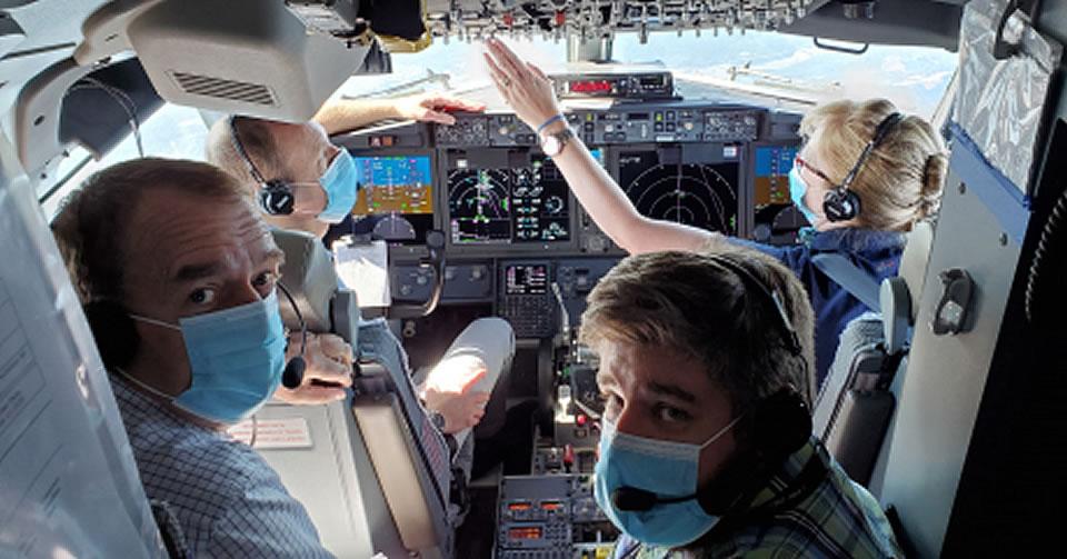 Пилоты и инженеры-испытатели EASA и Boeing во время испытательных полетов EASA в сентябре 2020 г.