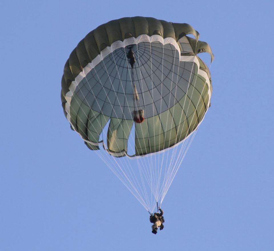 Воздушные Силы получат польские парашюты