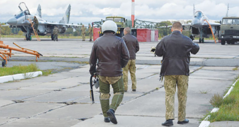 После катапультирования пилот девять суток добирался до своих
