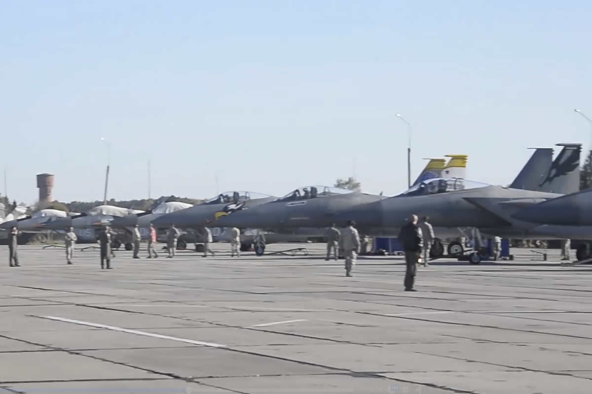 F-15C 144 истребительного авиакрыла США прибыли в Украину