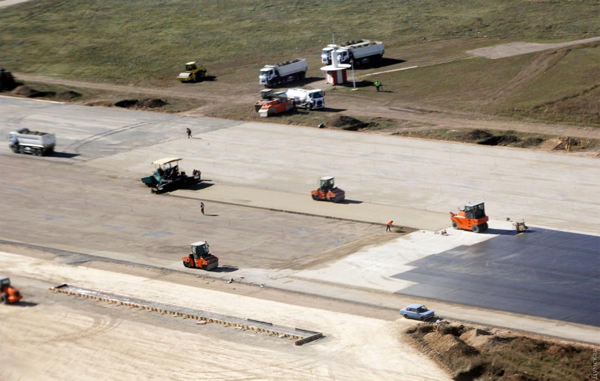 Как меняется ВПП аэропорта Одесса