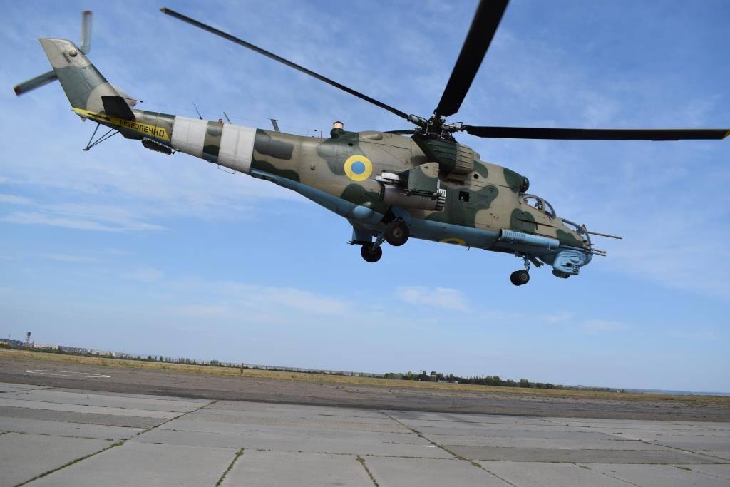 В зоне ООС экипажи вертолетов и наземных подразделений тренировались сбивать беспилотники