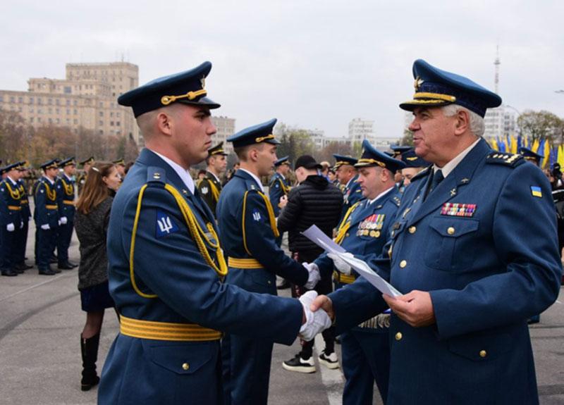 Выпуск лейтенантов летных специальностей ХНУВС