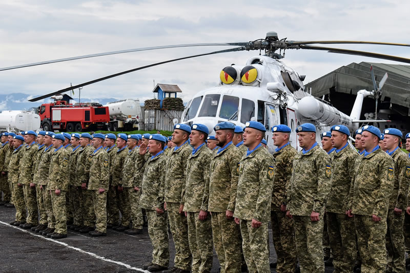 Украинских миротворцев в ДР Конго наградили медалями «За службу миру»
