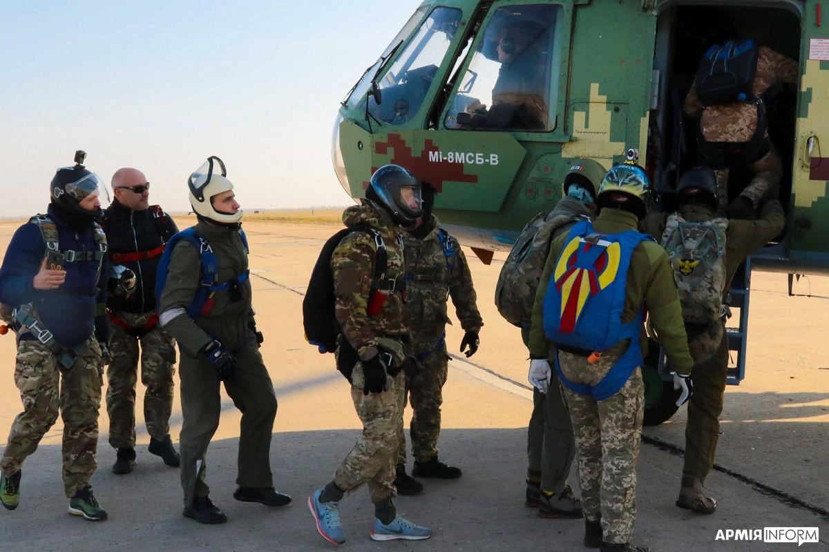 Летная смена и прыжки различной сложности: будни морских авиаторов