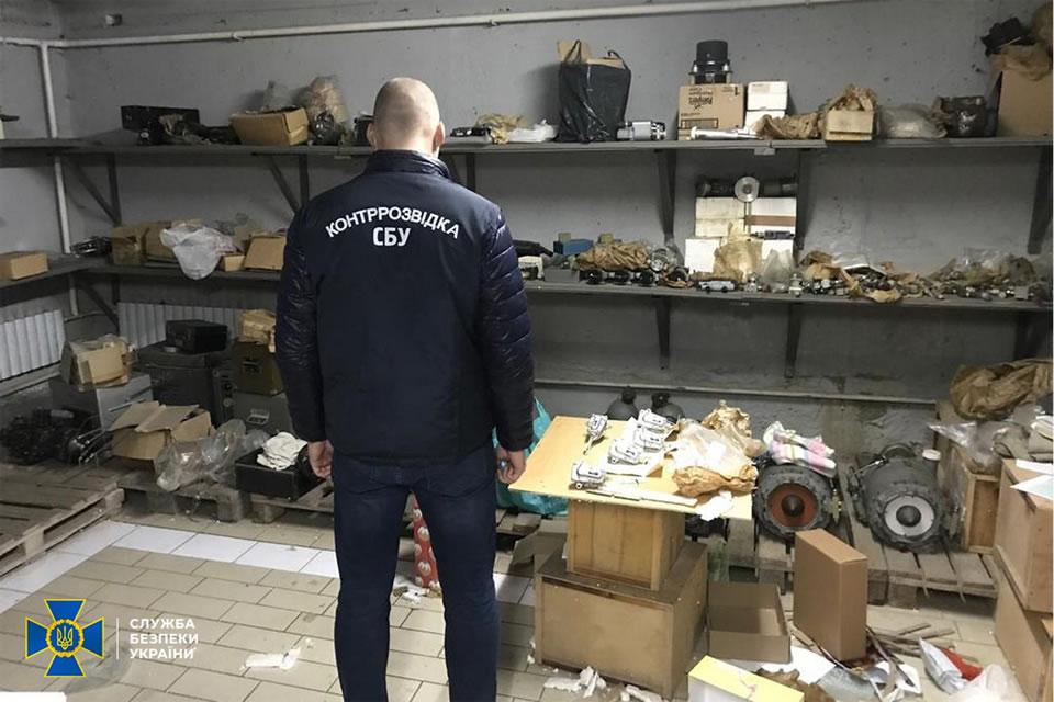 Контрразведка СБУ пресекла вывоз запчастей к боевым истребителей из Украины в РФ
