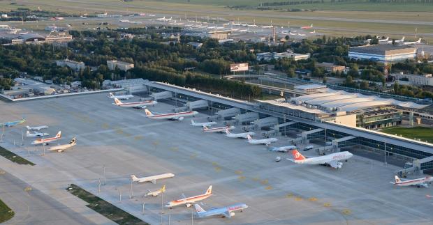 """Аэропорт """"Борисполь"""" откроет  автостанционный комплекс, новые пункты питания"""