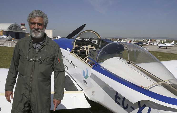 Испанский пилот на одномоторном самолете впервые без посадок пролетел над Антарктидой